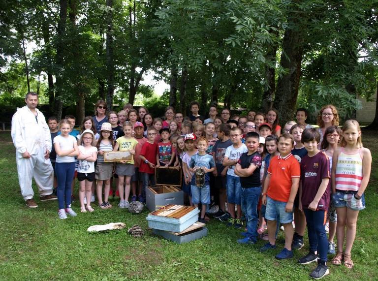 Un apiculteur à l'école (11)